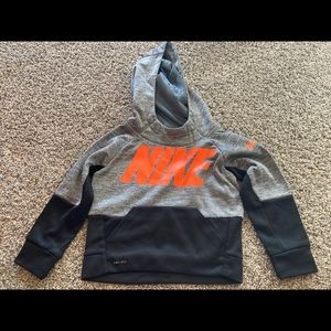 Nike thermal boys